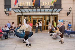 Hotel Tibur, Hotely  Zaragoza - big - 40