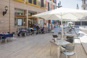 Hotel Tibur, Hotely  Zaragoza - big - 84