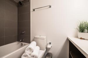 QuickStay - Luxury Executive in Yorkville (Yonge & Bloor), Apartmány  Toronto - big - 44
