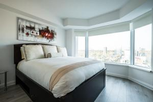 QuickStay - Luxury Executive in Yorkville (Yonge & Bloor), Apartmány  Toronto - big - 39