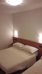 Hotel Azzurra, Hotels  Spinone Al Lago - big - 17