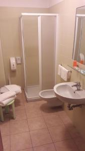 Hotel Azzurra, Hotels  Spinone Al Lago - big - 14