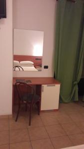 Hotel Azzurra, Hotels  Spinone Al Lago - big - 8