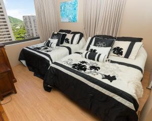 Tower 1 Suite 1413 at Waikiki