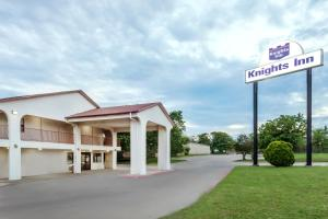 Knights Inn Denton, Motel  Denton - big - 12