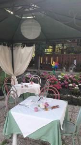 Hotel Azzurra, Hotels  Spinone Al Lago - big - 22