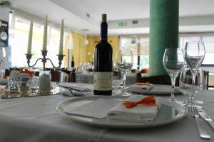 Hotel Azzurra, Hotels  Spinone Al Lago - big - 24