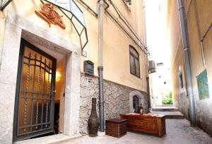 Corso Umberto Porta Catania - AbcAlberghi.com