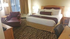 Cherry Tree Inn and Suites, Отели  Traverse City - big - 11