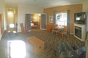 Cherry Tree Inn and Suites, Отели  Traverse City - big - 45