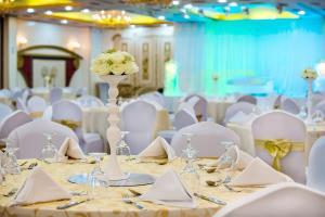 Hotel Holiday International, Отели  Шарджа - big - 32