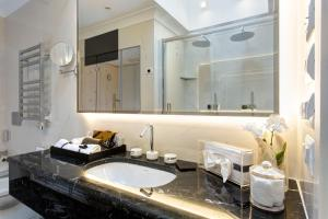 GKK Exclusive Private Suites (36 of 48)