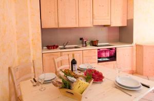 Chalet La Rugiada, Apartmány  Valdisotto - big - 18