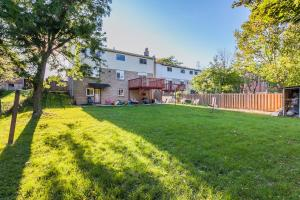 Scarborough North Comfort Stay, Penzióny  Toronto - big - 9