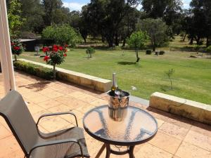 Studio 66, Country houses  Dawesville - big - 8