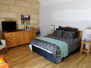 Studio 66, Country houses  Dawesville - big - 3