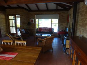 Studio 66, Country houses  Dawesville - big - 10