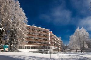 Grand Hôtel du Golf & Palace - Hotel - Crans-Montana