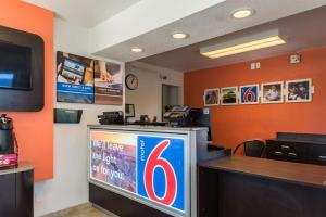 Motel 6 Reno - Virginia Plumb, Hotels  Reno - big - 19