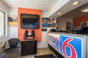 Motel 6 Reno - Virginia Plumb, Hotels  Reno - big - 17