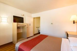 Motel 6 Reno - Virginia Plumb, Hotels  Reno - big - 4