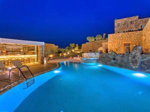Eirini Luxury Hotel Villas, Villen  Grikos - big - 74
