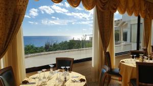Hotel Ristorante Panoramico, Hotely  Castro di Lecce - big - 51