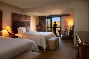 Madeline Hotel and Residences, an Auberge Resorts Collection, Hotely  Telluride - big - 27