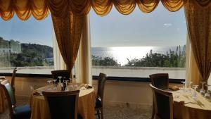 Hotel Ristorante Panoramico, Hotely  Castro di Lecce - big - 42