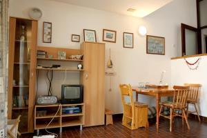 Apartment Branka, Apartmány  Novalja - big - 6