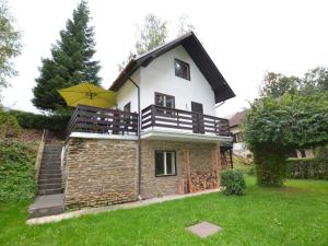 Holiday home Tuhrb, Holiday homes  Lhenice - big - 1