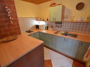 Holiday home Tuhrb, Holiday homes  Lhenice - big - 13