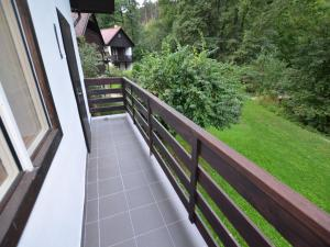 Holiday home Tuhrb, Holiday homes  Lhenice - big - 5