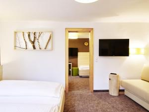 Das Grüne Hotel zur Post - 100 % BIO, Отели  Зальцбург - big - 64