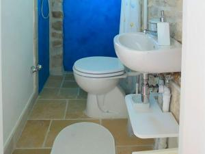 Holiday home Trullo Fiore Di Mare, Holiday homes  Trani - big - 9