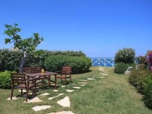 Holiday home Trullo Fiore Di Mare, Holiday homes  Trani - big - 13