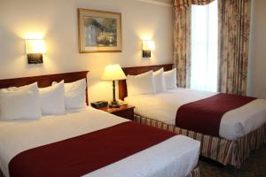 Deluxe Room with Two Double Beds - City View