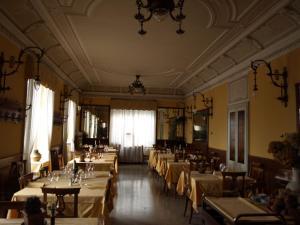 Hotel Olivedo, Hotel  Varenna - big - 69
