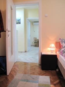 Regina's Central Street Apartment, Apartmány  Skopje - big - 20
