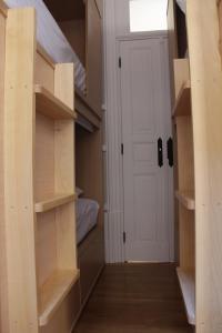 6床女性宿舍间的1张床位