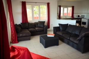 Ocean Spray, Apartments  Anse Etoile - big - 15