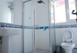 Ocean Spray, Apartments  Anse Etoile - big - 9