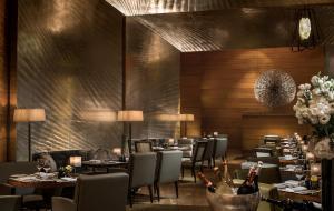 Four Seasons Hotel Hong Kong (10 of 59)