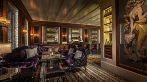 Four Seasons Hotel Hong Kong (12 of 59)