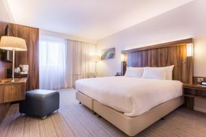Courtyard by Marriott Glasgow Airport, Hotels  Paisley - big - 10