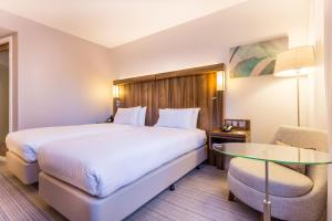 Courtyard by Marriott Glasgow Airport, Hotels  Paisley - big - 2