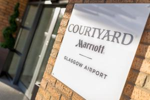 Courtyard by Marriott Glasgow Airport, Hotels  Paisley - big - 25