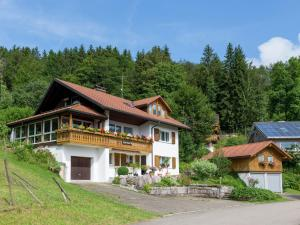 Holiday Home Am Kreuzfelsen Dachsberg