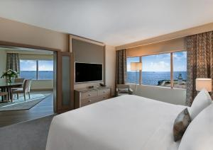 Ocean Suite with Sea View and Lounge Access