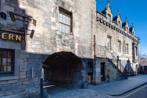 Tolbooth apt Old Town